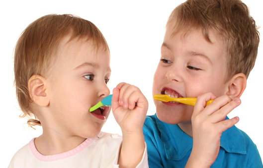 Read more about the article Your Kid's Dental Brushing and Flossing 101