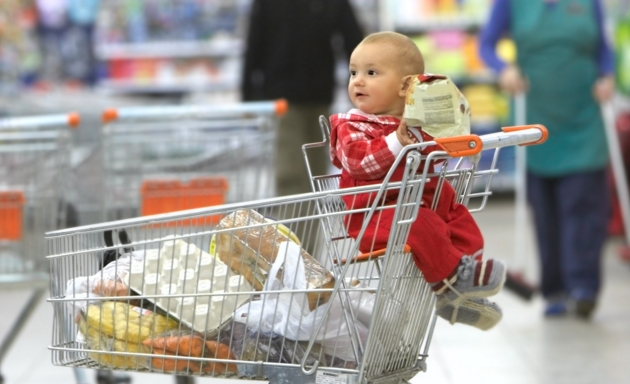 10 Things You Should Know About Shopping During the Holidays with Your Baby