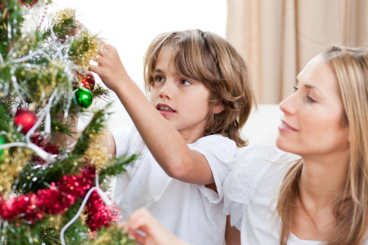 10 Tips for Single Parents on Celebrating Holidays